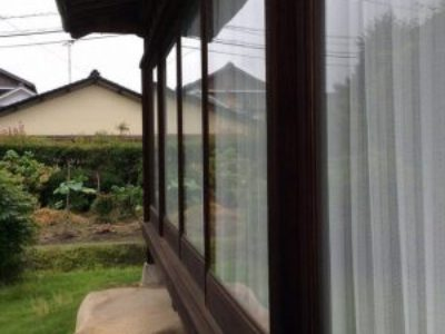 木製窓+単層ガラスですが、室内の広縁はパッシブでした