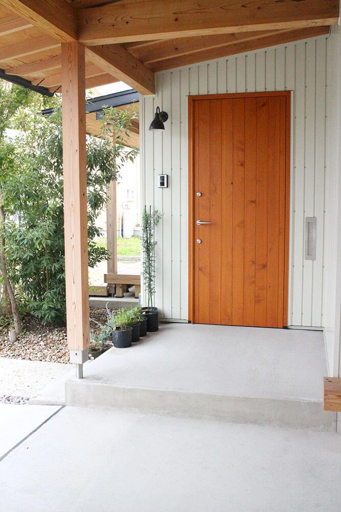 ユダ木工の木製玄関ドア