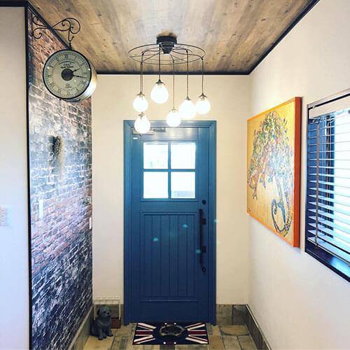 ドッグサロンfugafugaの木製玄関ドア