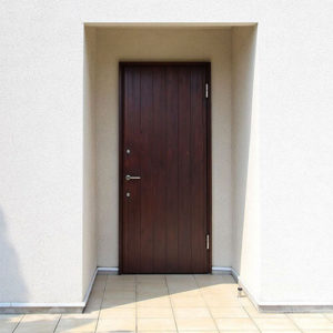 設置10年目のユダ木工木製玄関ドア
