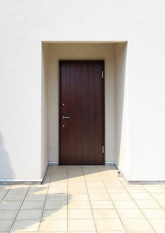 10年目のユダ木工木製玄関ドア