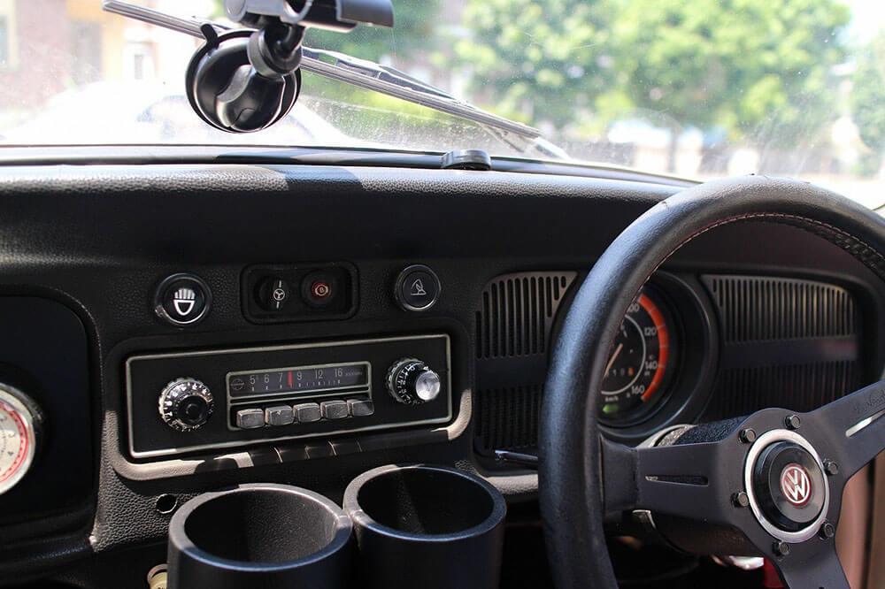 クラッシックカー ビートル車内