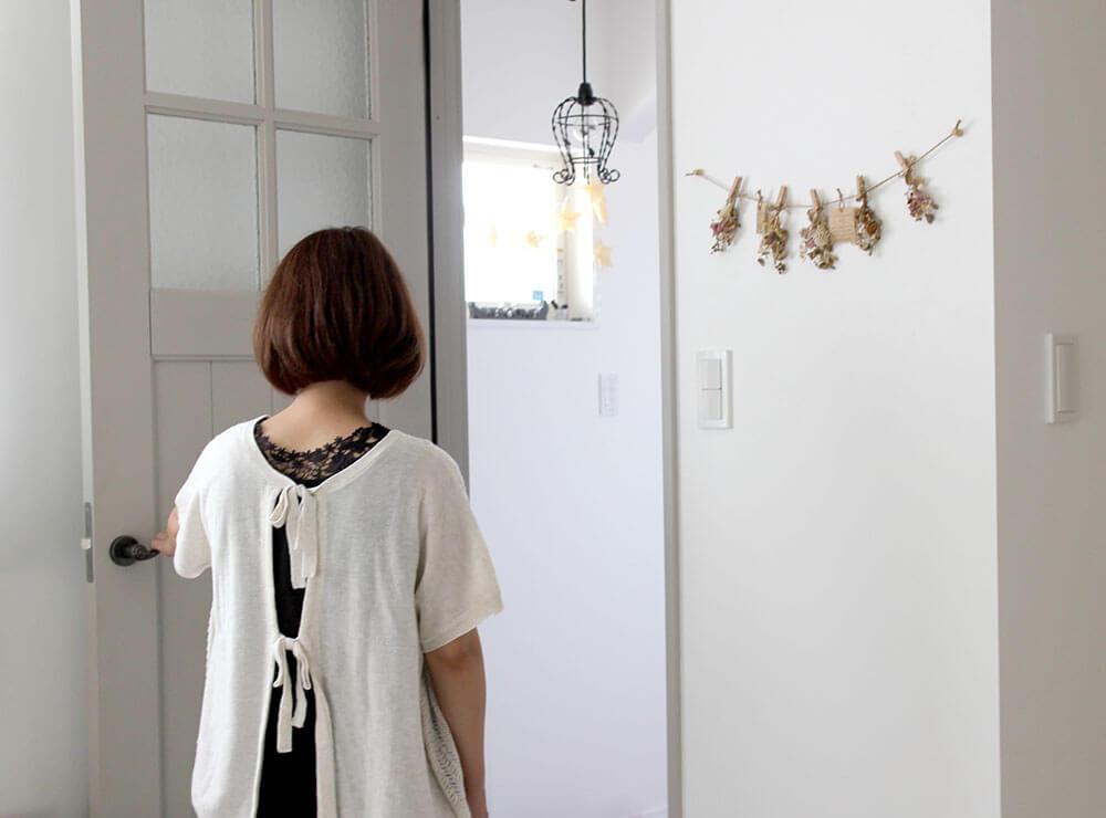 ジーンズスタイル室内ドア グレーのかわいい木製ドア