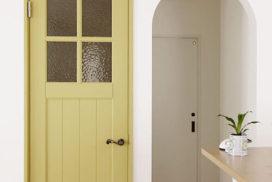 ユダ木工の国産木製ドア パステルイエローの木製室内ドア