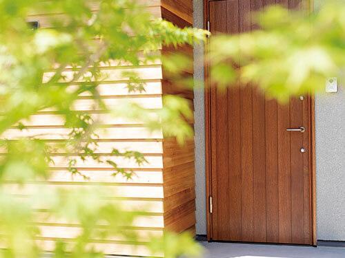 PRODUCT 商品紹介 国産ヒノキの高断熱木製玄関ドア