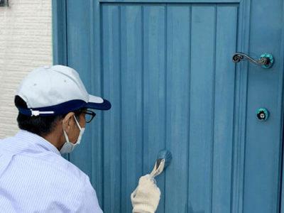 木製玄関ドアのメンテナンスと再塗装・塗りつぶしタイプ編