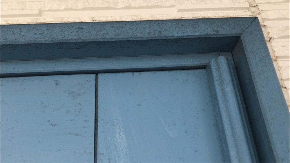 木製玄関ドアのメンテナンス 表面のよごれ