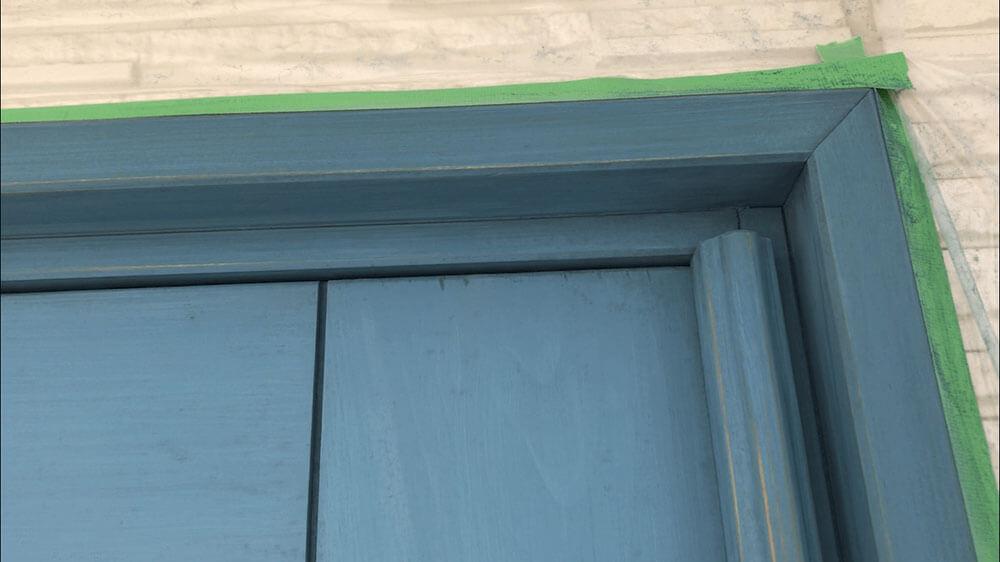 木製玄関ドアのメンテナンス ペーパーがけ後
