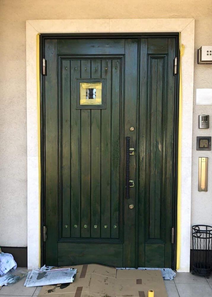 塗装1回目(木製玄関ドアのメンテナンス再塗装)