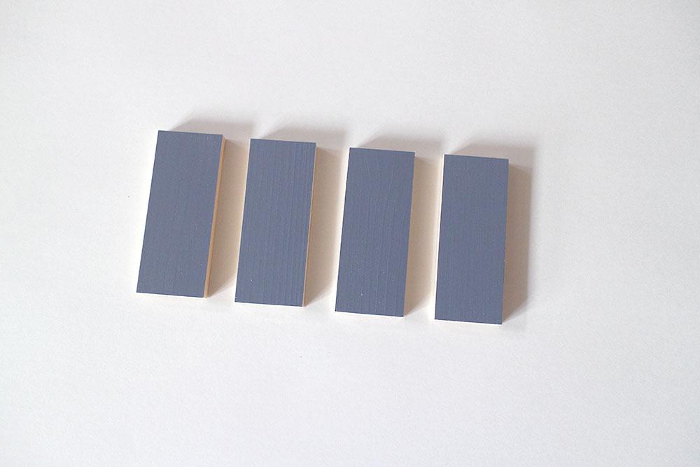 室内ドアのカラーサンプル くすみパープルで統一