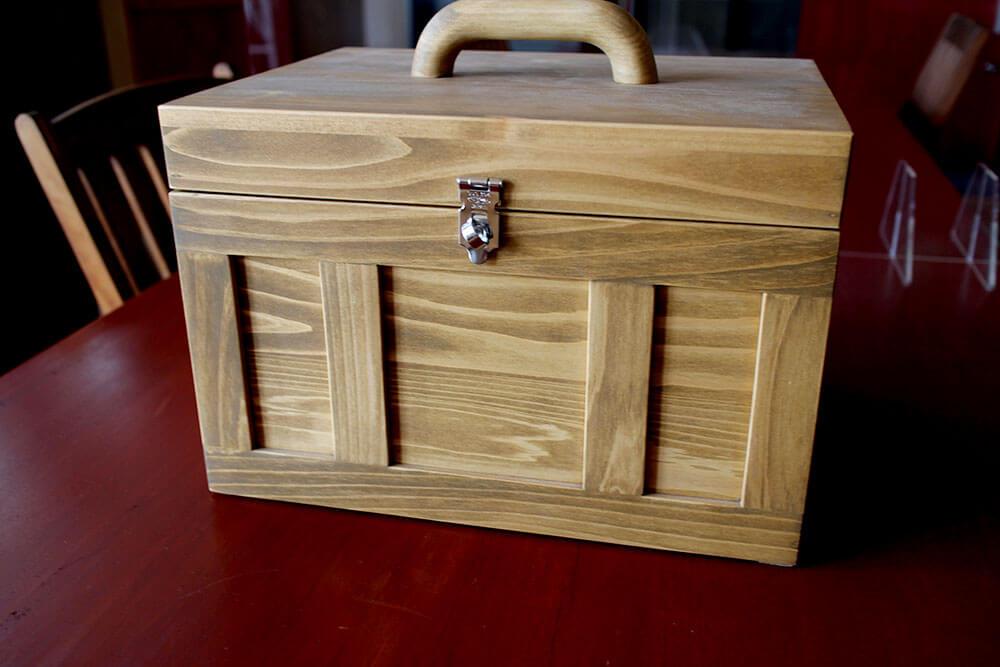 木製ドア職人が作った木箱