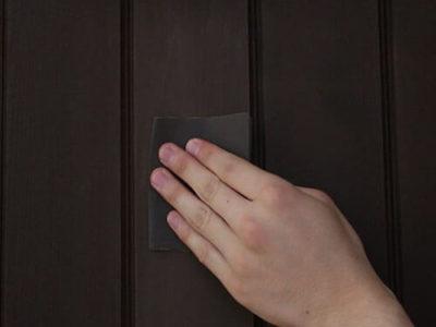 ご家庭でできる!木製玄関ドアのメンテナンス再塗装。拭き取りタイプ編
